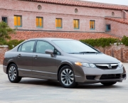 honda-civic-2010-14