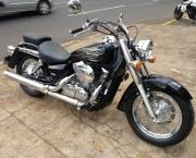 Shadow 750 com Visual Renovado (9)